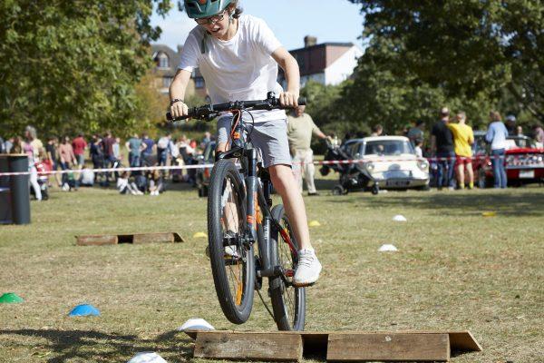 19.09.09 Heales Cycles PP0128
