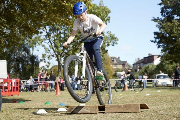 19.09.09 Heales Cycles PP0150