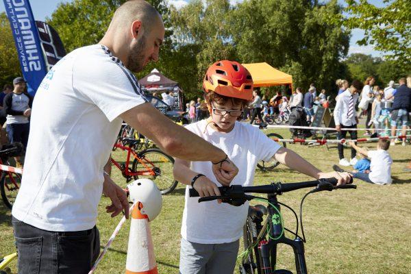 19.09.09 Heales Cycles PP0160