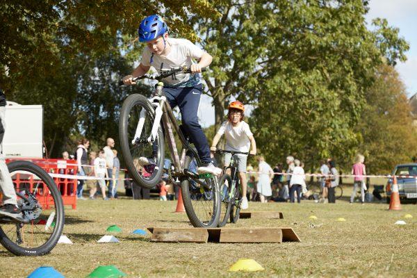 19.09.09 Heales Cycles PP0164